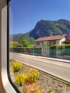Vue sur le massif de la Chartreuse depuis le tram E