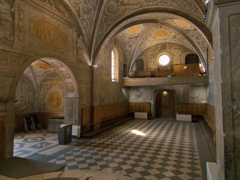 Intérieur de la Chapelle avec les peintures baroques en trompe-l'œil