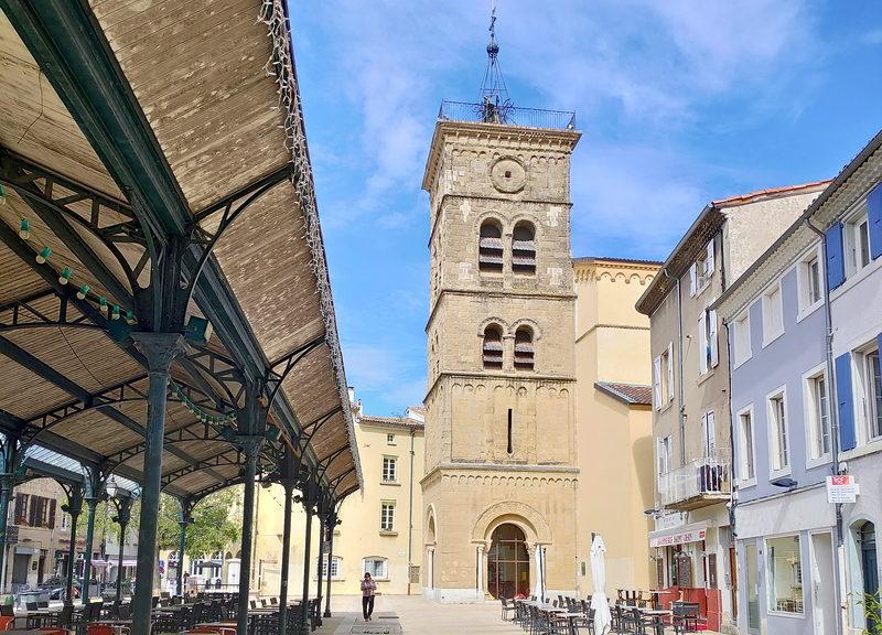 Eglise et place Saint-Jean à Valence