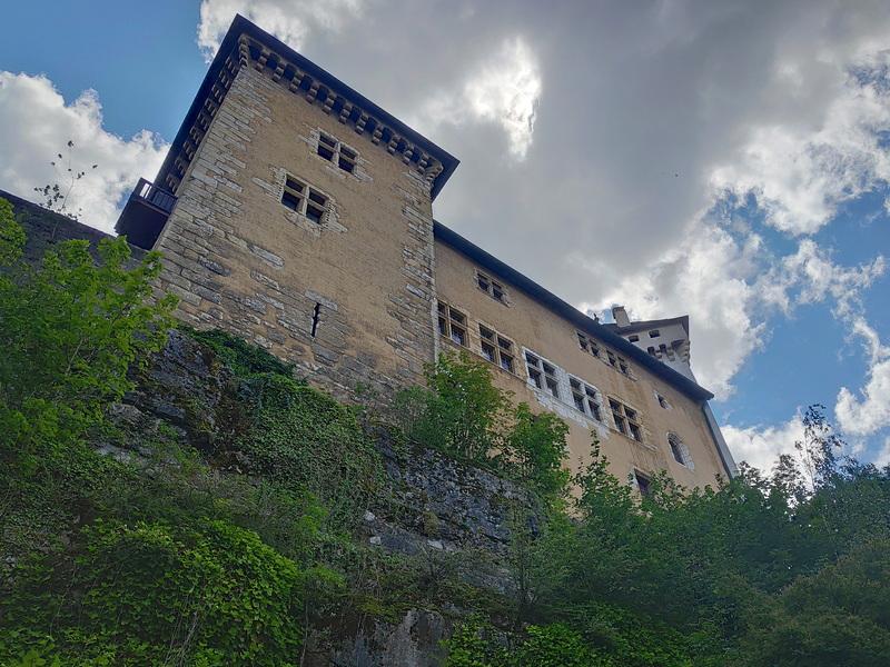 Le château d'Annecy vu d'en bas